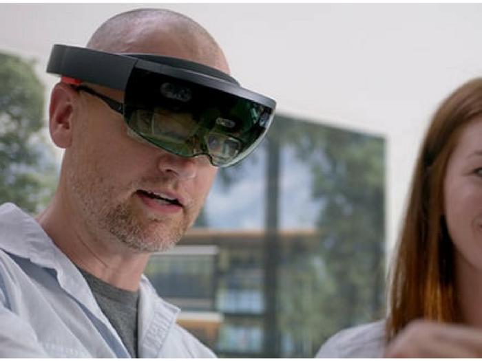 Gafas de realidad mixta, Microsoft