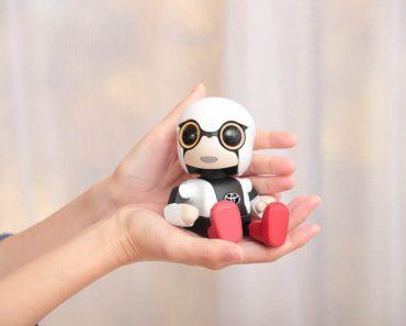 Toyota lanza Kirobo Mini, un pequeño robot para hacerte compañía